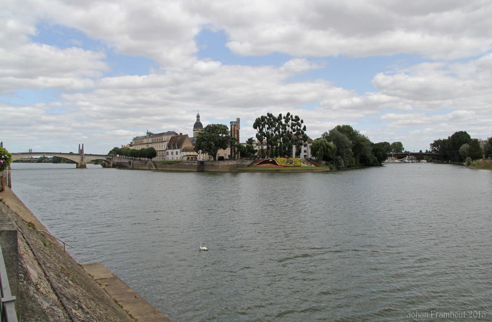 grinder rencontre gay pride à Chalon sur Saône